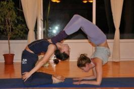 Артистик и Партнер йога